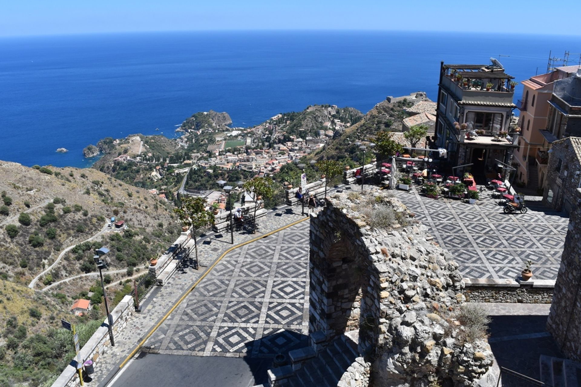 Taormina, Savoca & Castelmola Day Trip in Semi-Private Group from Catania - Alojamientos en Catania