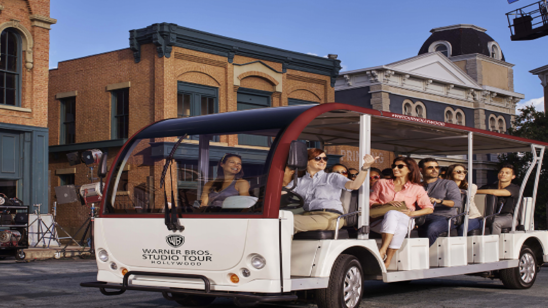 Warner Brothers Studio Tour with Hotel Transfers - Alojamientos en Los Ángeles